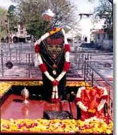 Shanishinganapur Temple in sheirdi is believed that Shani Dev safeguard of the village